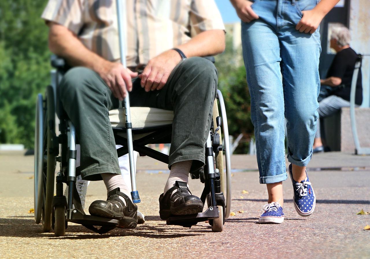 Cómo afrontar el cuidado de un familiar en situación de dependencia